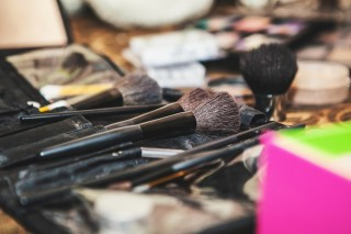Woman Paralysed After Contracting MRSA from Make-Up Brushes - How to Make a Medical Negligence Claim in the UK